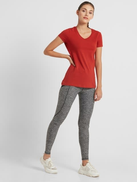 Red Wood V-neck Tee