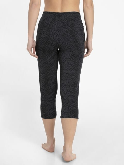 Deep Iron Printed Capri Pants